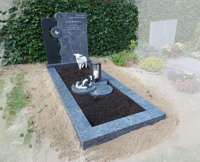 grafsteen-met-beelden-1.jpg