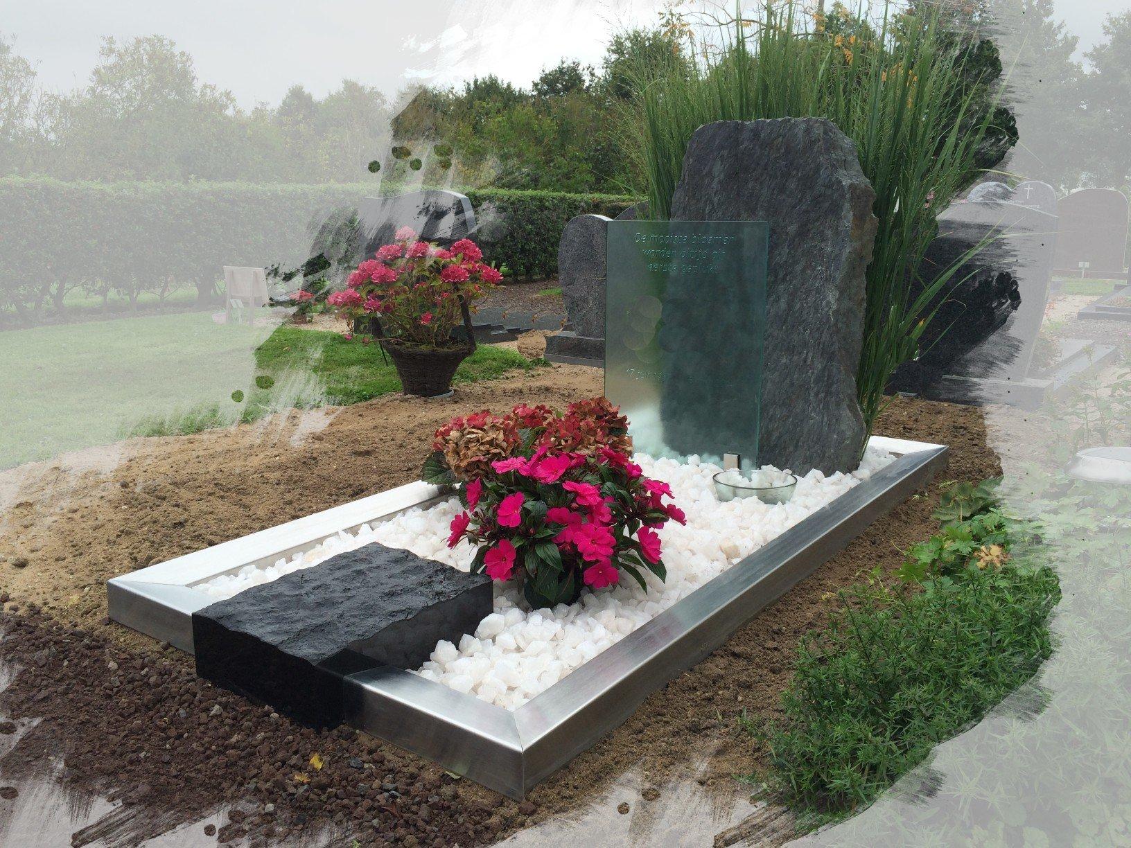 Grafstenen met RVS en glas te Houten