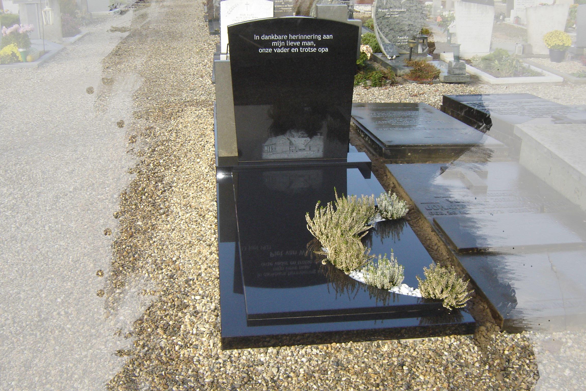 Grafsteen met ronding voor plantjes