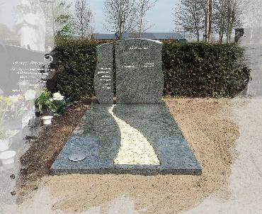 Grafsteen met twee delen letterplaat