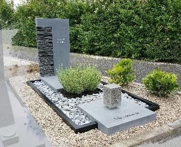 Grafsteen met RVS te Montfoort