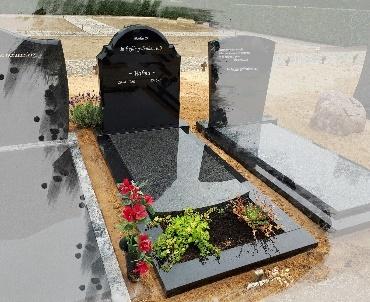 Grafsteen met klassieke vormen