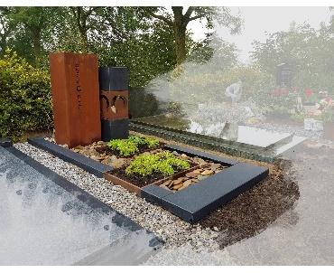 Grafsteenvoorbeeld Cortenstaal met mat zwart graniet