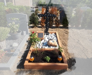 begraafplaats nieuwkoop. hardhout met gepoedercoat kruis.