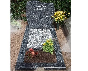 Grafsteen met blauw graniet