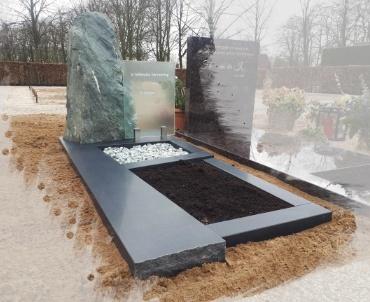 grafmonument ruwe steen met glas