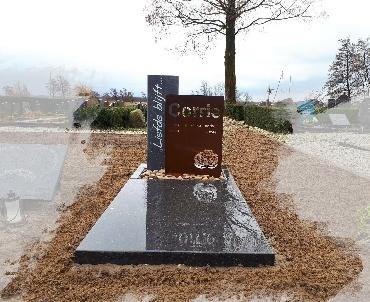 grafsteen hardsteen met corte staal te Nieuwkoop