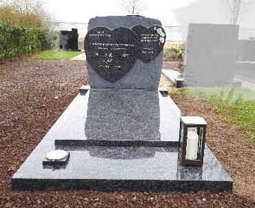 grafsteen Houten met harten