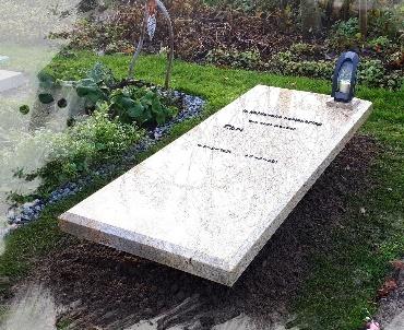 Grafsteen Kashmir Gold graniet