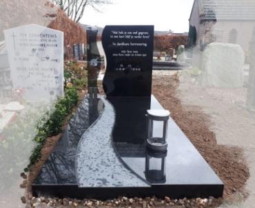 grafsteen met donker glas