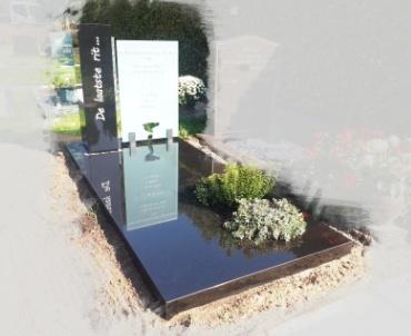grafsteen met glas en zwart graniet