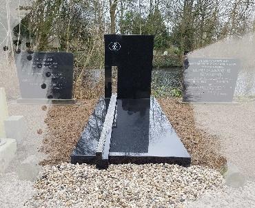 grafsteen met levensweg