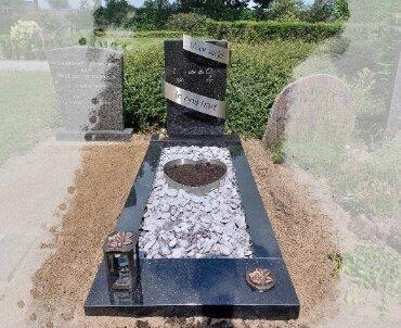 grafsteen met rvs slinger 1