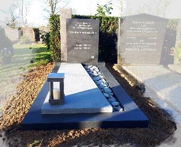 grafsteen met tinten grijs te Woerden