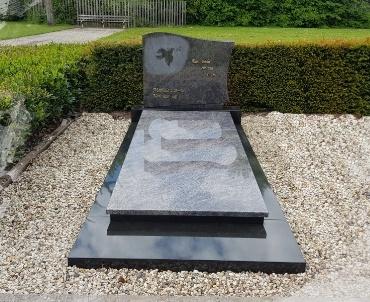 grafsteen op grafkelder