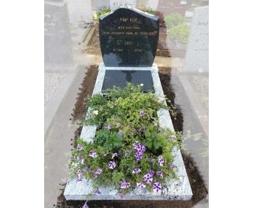 grafsteen schoonhoven bij de rooms katholieke kerk