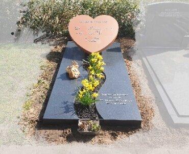 grafsteen staal hart met rvs letters