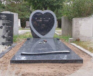 grafsteen steel grey graniet. hart