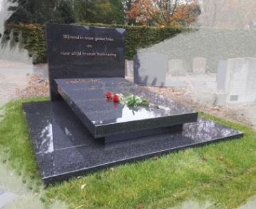 grafsteen voor begraafplaats te Langbroek