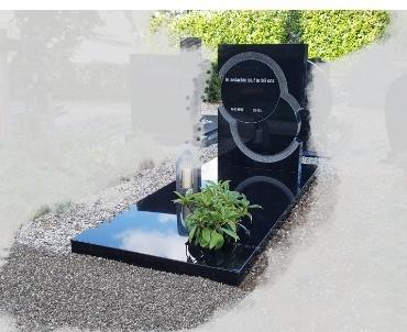 grafsteen zwart graniet twee ringen