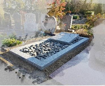 Grafstenen Gebrand en geborsteld graniet met bronzen tekst