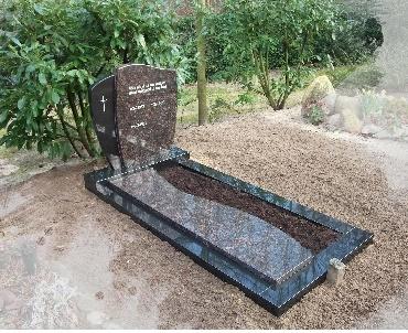 Grafsteen in Twee kleuren graniet