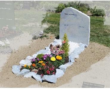 Azul blauwe grafsteen te Woerden
