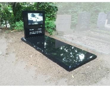 Grafsteen met Foto op glas Woerden