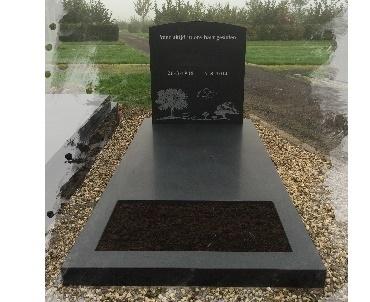Grafsteen Gezoet zwart met zandstraal afbeelding
