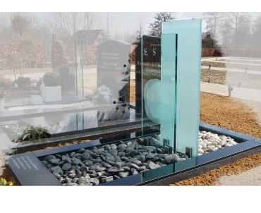 Grafsteen van  Glas te Oudewater