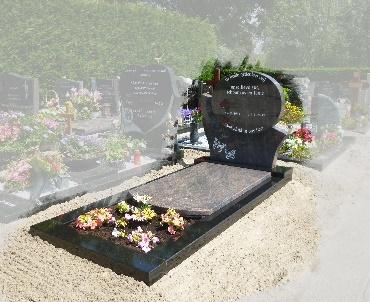Grafsteen met rondingen te Nieuwveen