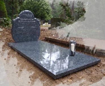 Grafsteen met Vloerplaat met breede facetten