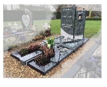 Grafsteen met inbouwlantaarn speciaal design te Houten