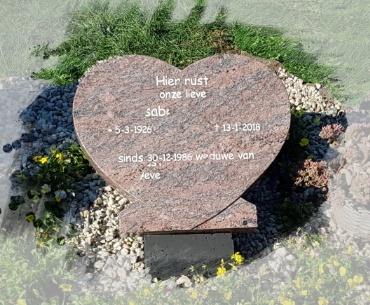 algemeen grafsteen in de vorm van een hart