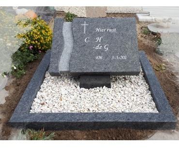 algemeen grafsteen met verdieping levenweg