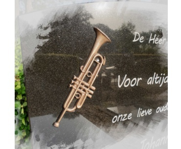 bronzen trompet