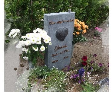 Grafsteen met Verheven hart